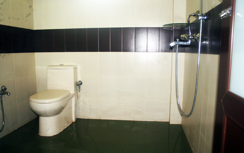 The Tuskerden Super Deluxe Double BathRoom